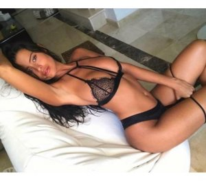 Carole-anne outcall escort in Bonney Lake, WA